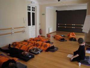 p Cursos Intensivos de Formacion de Yoga Nidra Mindfulness en Barcelona Darshan Grupo
