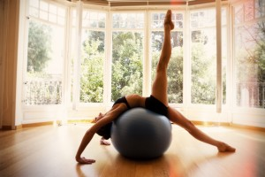a El mejor centro de yoga y mejor centro de pilates en Barcelona Sala luminosa profesores experimentados