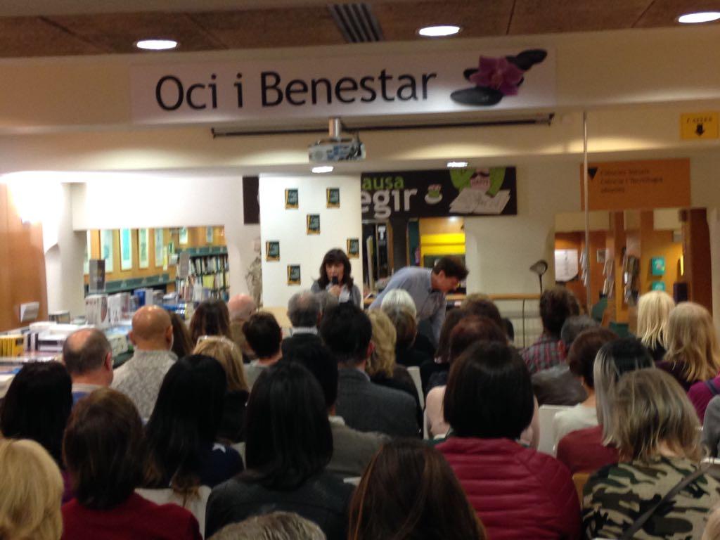 Entrevista con Ignasi y Montse de Darshan en Radio Estel sobre Libro Nidra Mindfulness de Ediciones Obelisco